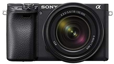 418pFT4DNuL. AC  - Sony Alpha a6400 Mirrorless Camera: Compact APS-C Interchangeable Lens Digital Camera with Real-Time Eye Auto Focus, 4K Video, Flip Screen & 18-135mm Lens - E Mount Compatible Cameras - ILCE-6400M/B